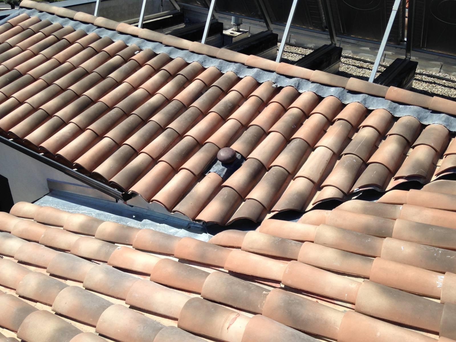 R fection d 39 une noue en zinc sur une toiture fibrociment p rols midi couverture - Noue en zinc ...