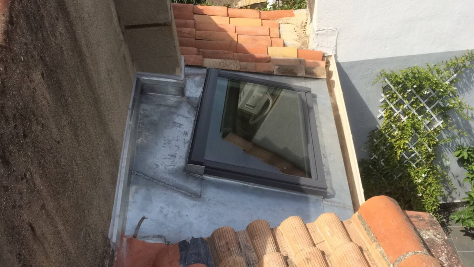 Remplacement d 39 une fenetre de toit montpellier midi for Remplacer une fenetre de toit